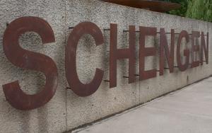 Виды шенгенских виз по принципу действия